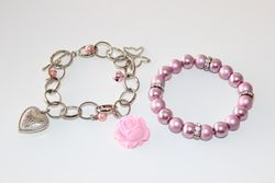 Set 2 Pearls Bracelets (equal to the photo)